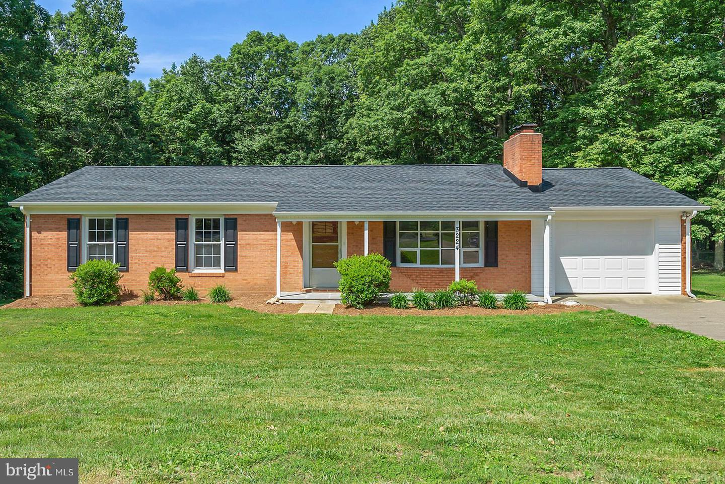 Single Family for Sale at 3224 Waterford Rd 3224 Waterford Rd Amissville, Virginia 20106 United States