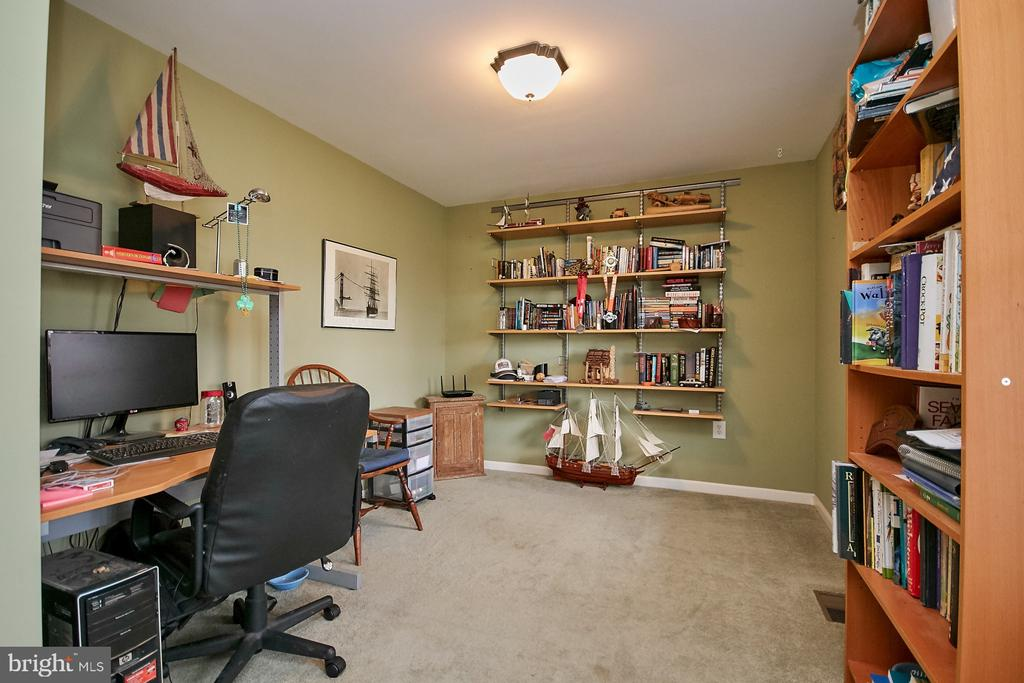 Main Level Office - 19187 SWAN CT, PURCELLVILLE