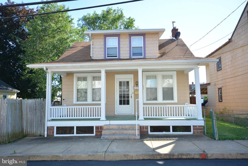 258 S CHARLOTTE STREET, Manheim in LANCASTER County, PA 17545 Home for Sale