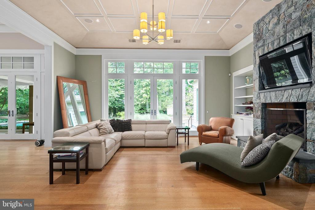 Family Room opens to Patio - 11304 HUNTOVER DR, NORTH BETHESDA