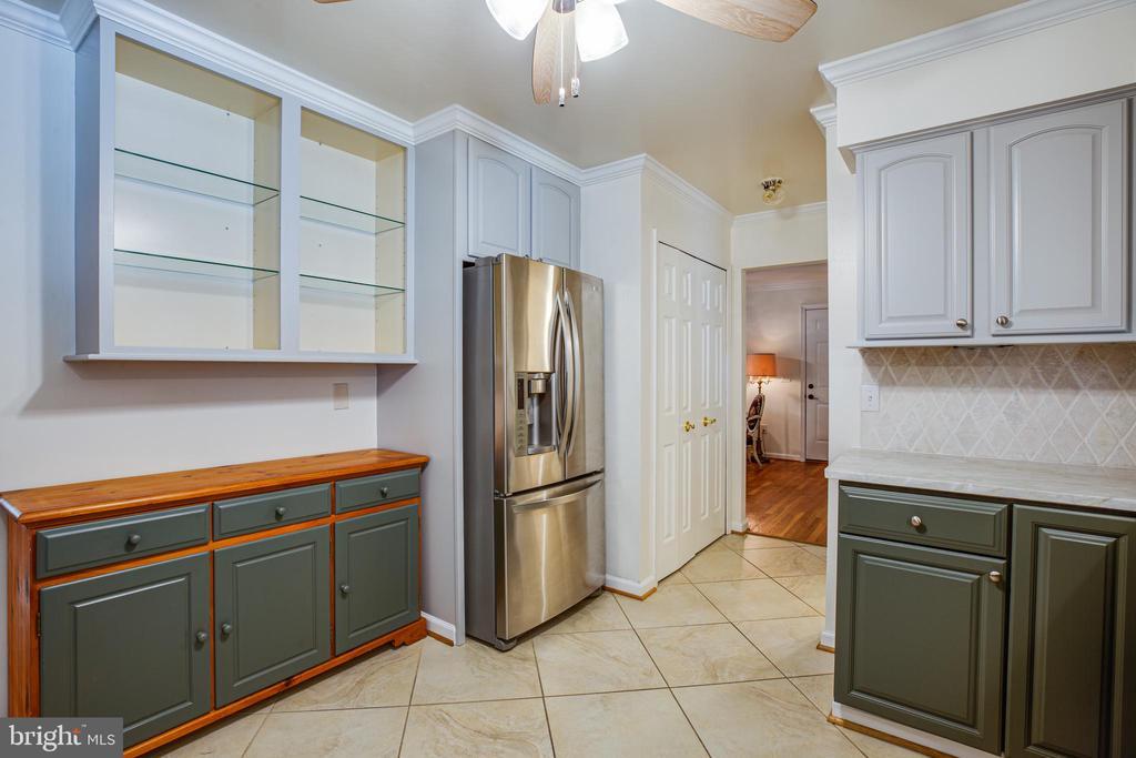 Remodeled kitchen - 13304 BROOKCREST CT, FREDERICKSBURG