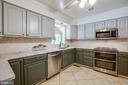 Stainless appliances, tile floors - 13304 BROOKCREST CT, FREDERICKSBURG