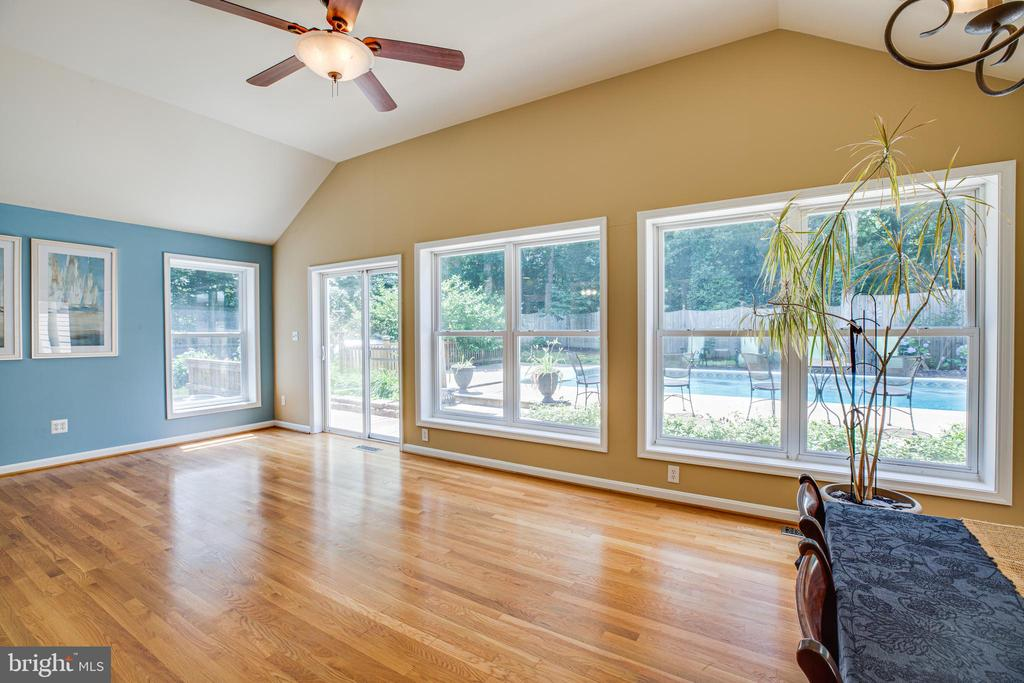 Sunroom filled with light & gorgeous views - 13304 BROOKCREST CT, FREDERICKSBURG