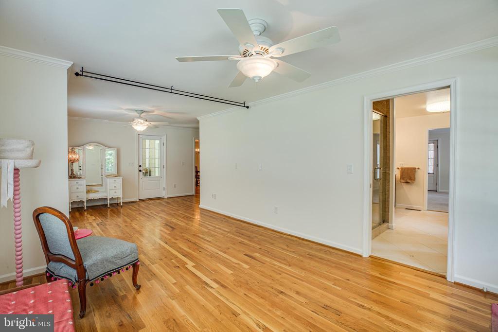 Main-level additional living space or bedroom - 13304 BROOKCREST CT, FREDERICKSBURG