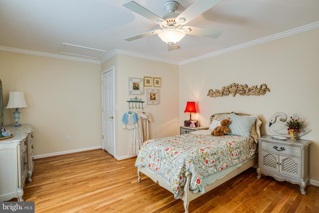 Bedroom #4 upper level - 13304 BROOKCREST CT, FREDERICKSBURG