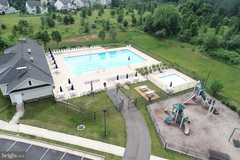 The Pool and Club house - 43137 BUTTERFLY WAY, LEESBURG