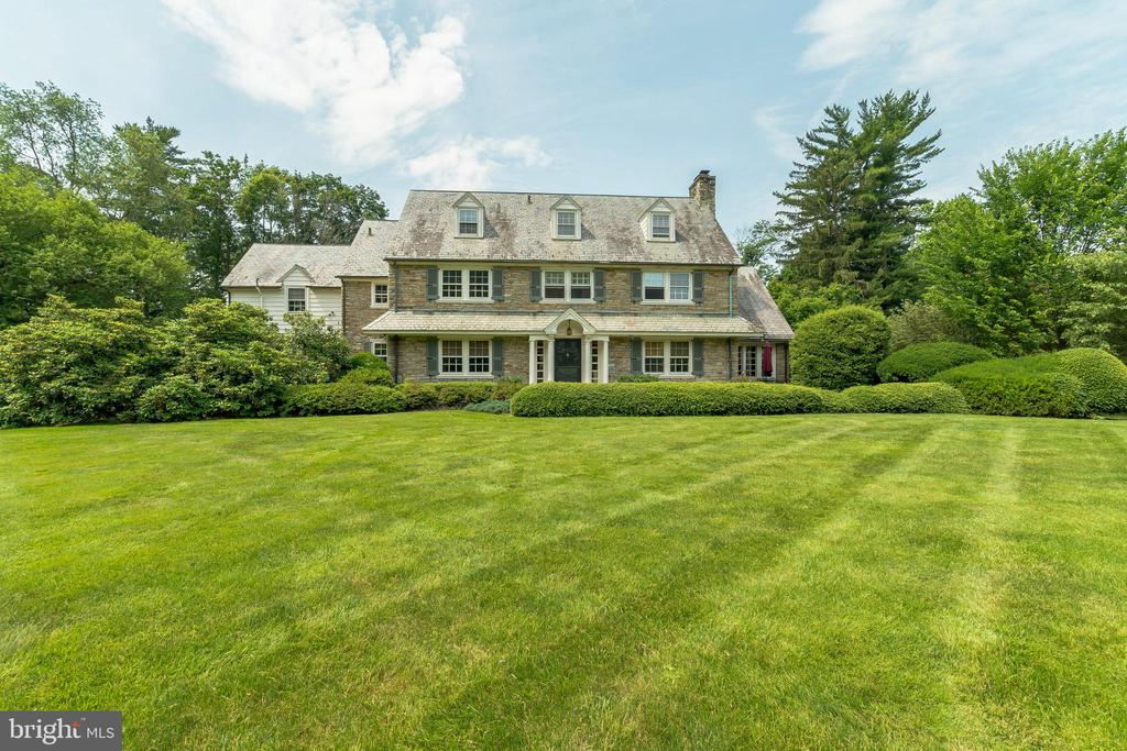 2211  YARDLEY ROAD, Yardley, Pennsylvania
