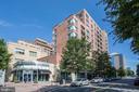 Building Exterior - 1020 N HIGHLAND ST #524, ARLINGTON