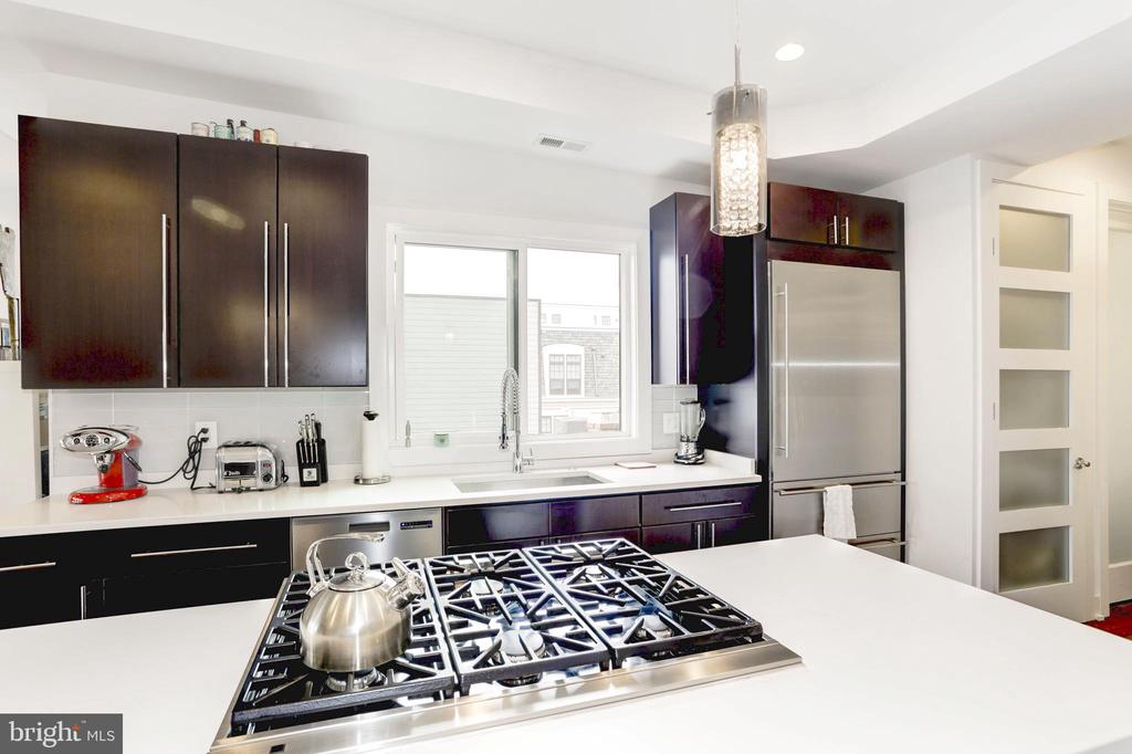 Designer kitchen with window facing west. - 763 MORTON ST NW #4, WASHINGTON