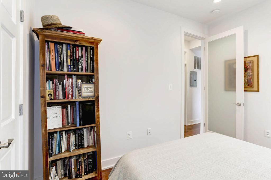 Guest bedroom with floor-ceiling face south - 763 MORTON ST NW #4, WASHINGTON