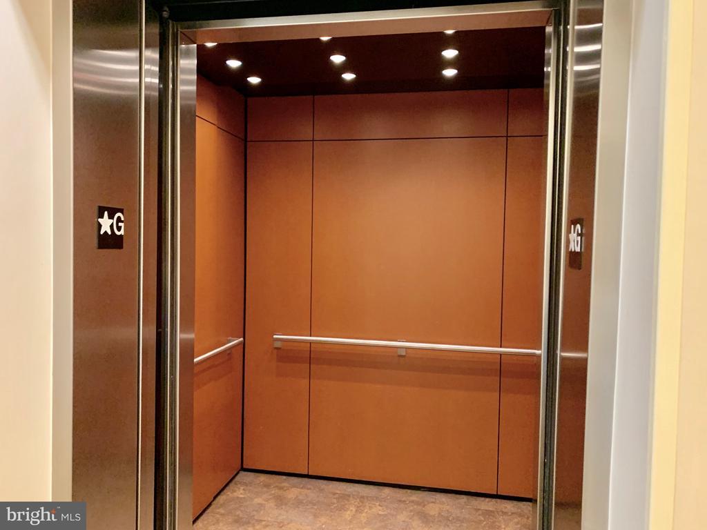 Spacious Elevator - 715 6TH ST NW #205, WASHINGTON