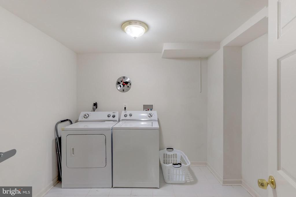 Bright and Light Laundry Room in Lower Level - 8405 TERRA WOODS DR, SPRINGFIELD