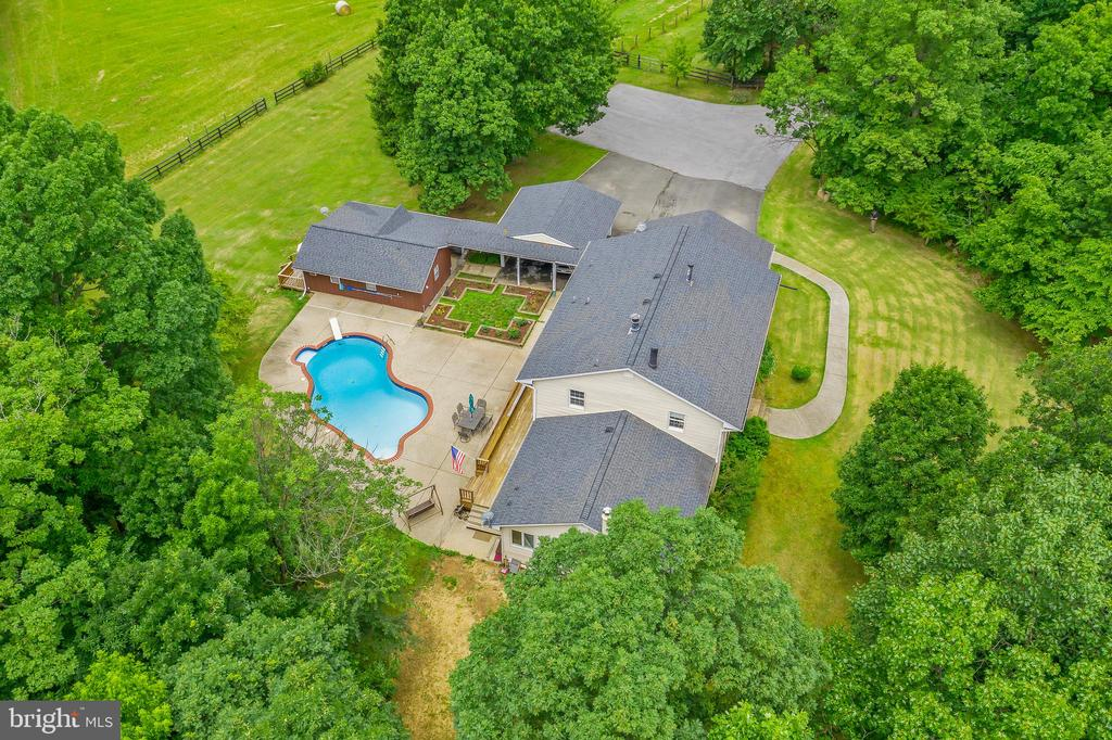 14 acres, rolling pastures and pool! - 20659 FURR RD, ROUND HILL
