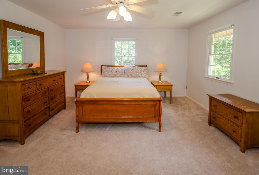 Very Large Bedroom 3 Upstairs - 20659 FURR RD, ROUND HILL
