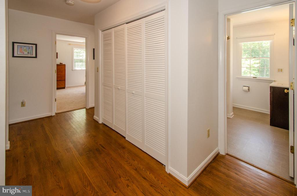 Upper Level Laundry with 2 baths on either side - 20659 FURR RD, ROUND HILL