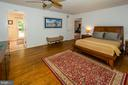 Beautiful wood floors and rear door to pool - 20659 FURR RD, ROUND HILL