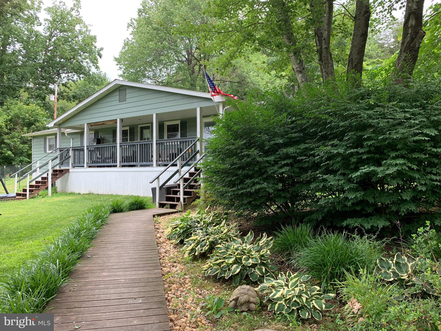 Single Family for Sale at 342 Farms River Rd Front Royal, Virginia 22630 United States