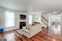- 25273 DOOLITTLE LN, CHANTILLY
