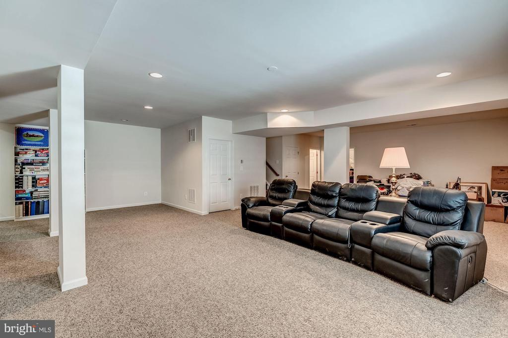 Finished basement - 25273 DOOLITTLE LN, CHANTILLY