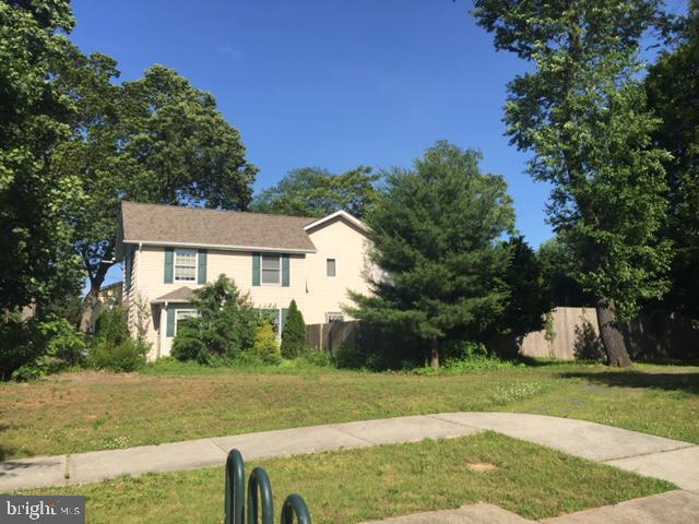 Duplex Homes для того Продажа на Spotswood, Нью-Джерси 08884 Соединенные Штаты