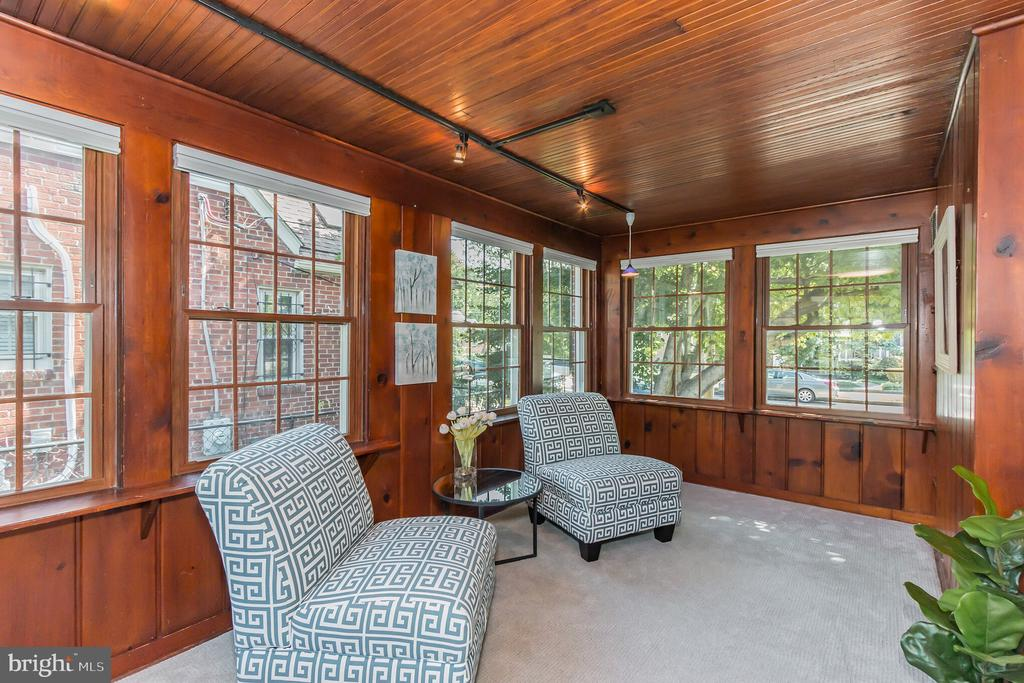 Spacious sunroom is perfect for home office... - 3922 20TH ST NE, WASHINGTON