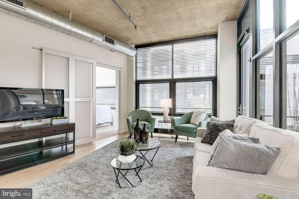 Brand new maple hardwood floors (June 2019) - 2301 CHAMPLAIN ST NW #305, WASHINGTON