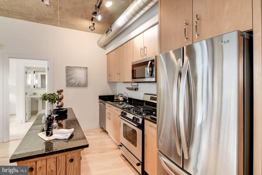 Movable island w/granite countertop - 2301 CHAMPLAIN ST NW #305, WASHINGTON
