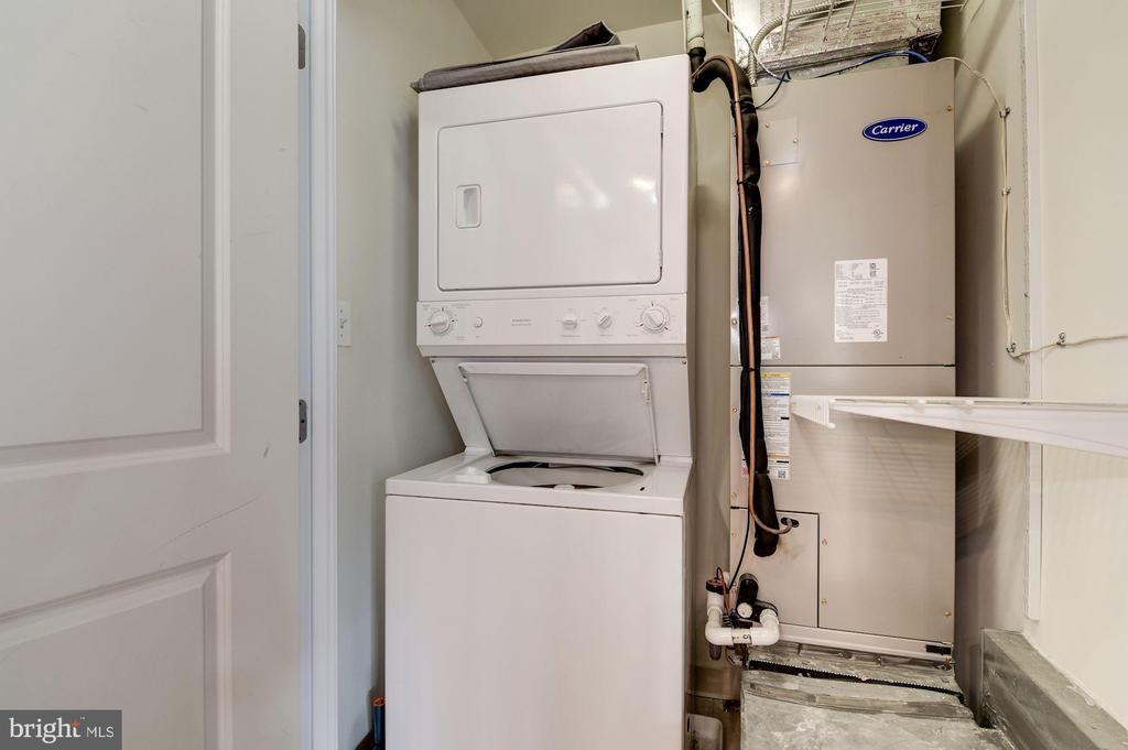 Washer/dryer, plus new 2019 HVAC - 2301 CHAMPLAIN ST NW #305, WASHINGTON