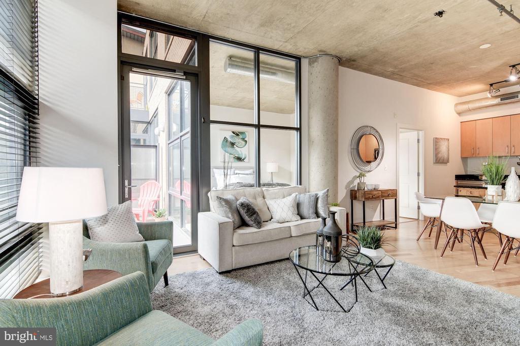 Open floor plan w/10 feet ceilings - 2301 CHAMPLAIN ST NW #305, WASHINGTON