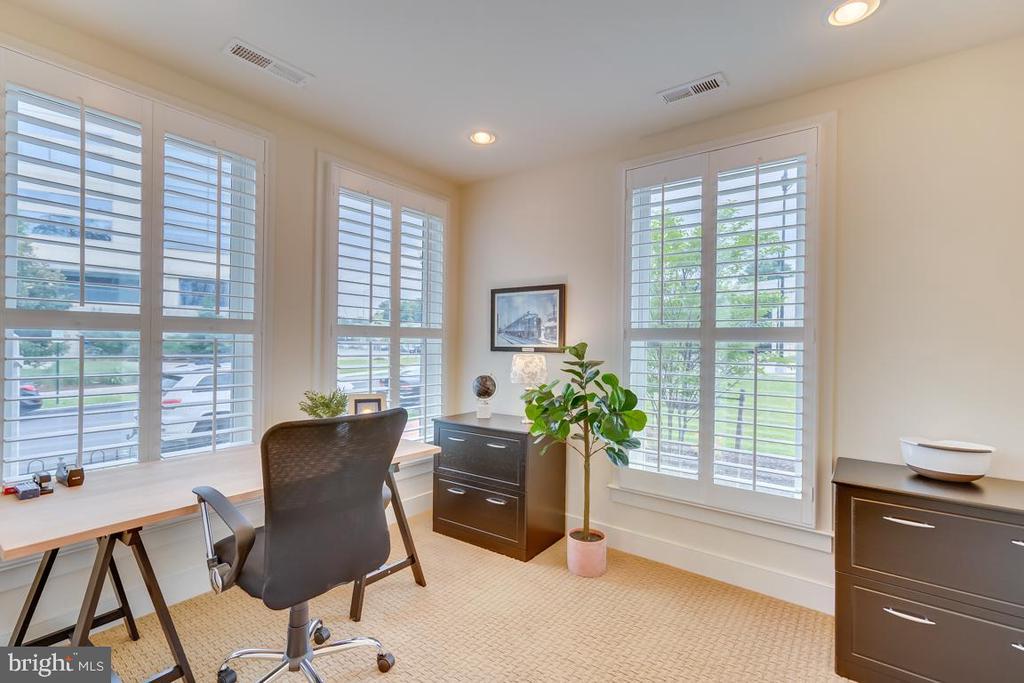 Main Level Bedroom or Home Office - 800 3RD ST SE, WASHINGTON