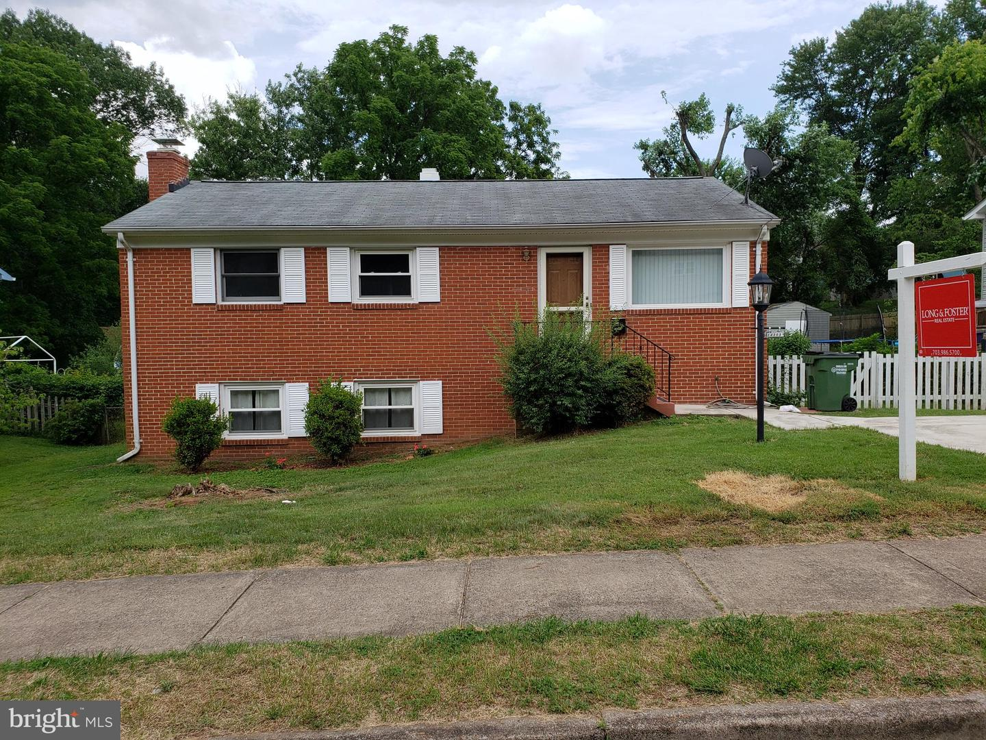 Single Family for Sale at 14303 Ferndale Rd Woodbridge, Virginia 22193 United States