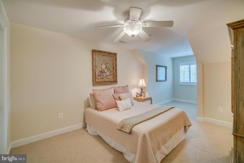 Bedroom 5- 4th level - 5623 JOHNSON AVE, BETHESDA