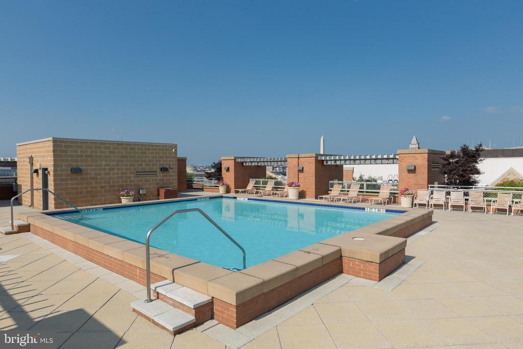 Rooftop pool - 631 D ST NW #835, WASHINGTON