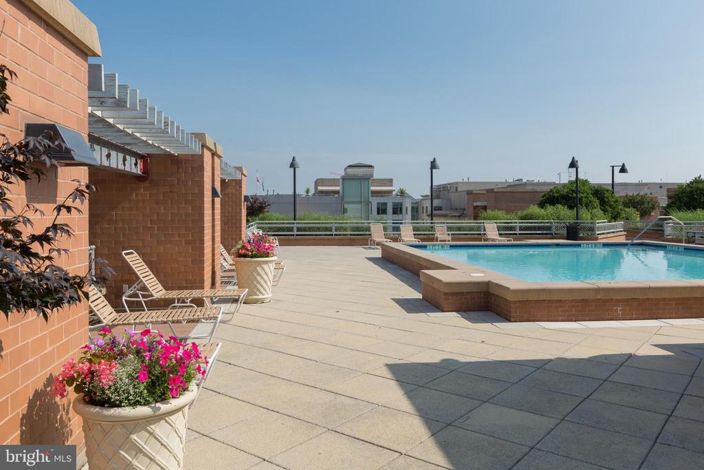 Rooftop amenities - 631 D ST NW #835, WASHINGTON