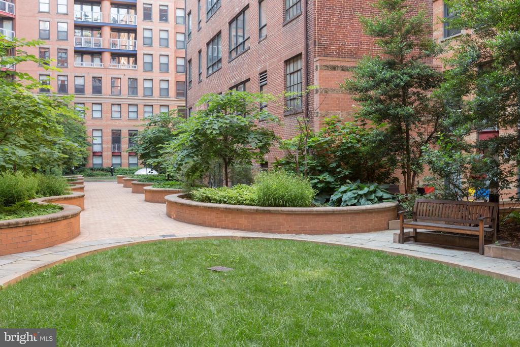 Courtyard - 631 D ST NW #835, WASHINGTON