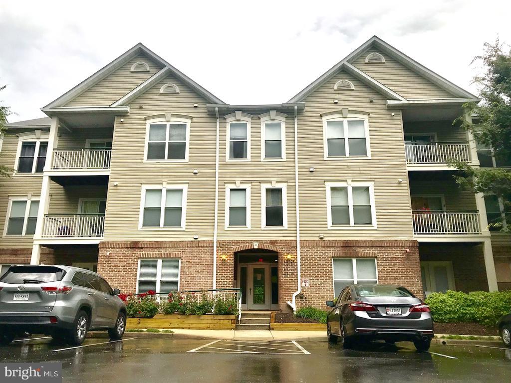 Kingstowne Homes for Sale -  Loft,  6515  GRANGE LANE  404