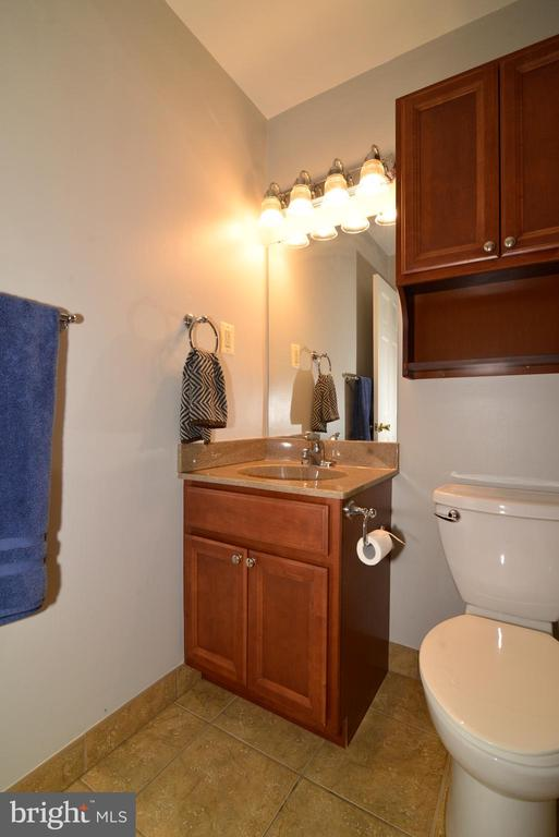 FULL LOWER LEVEL HALL BATH - 104 COUNTRY CLUB DR SW, LEESBURG