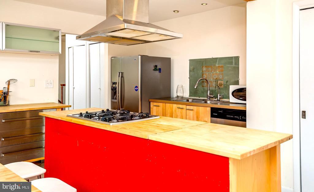 Beautiful, Modern, Country Kitchen. - 6815 TILDEN LN, NORTH BETHESDA