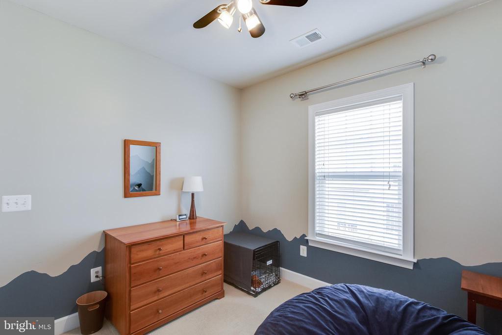 Bedroom #3 - 127 ANTHEM AVE, HERNDON