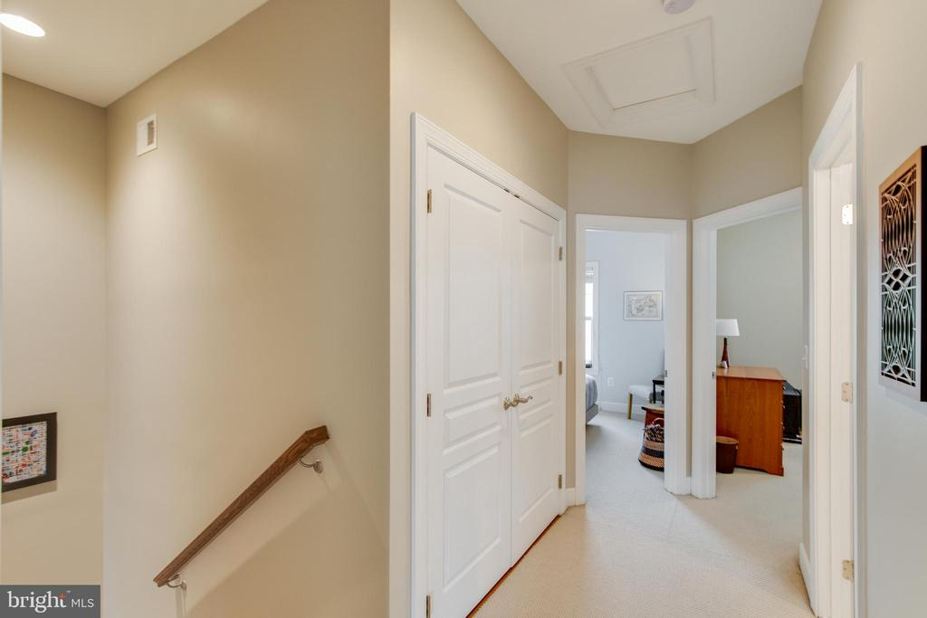 Upstairs Hallway - 127 ANTHEM AVE, HERNDON