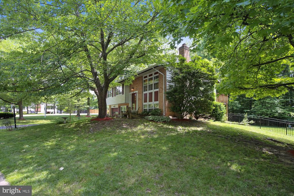 LARGE YARD - 7209 BRIARCLIFF DR, SPRINGFIELD