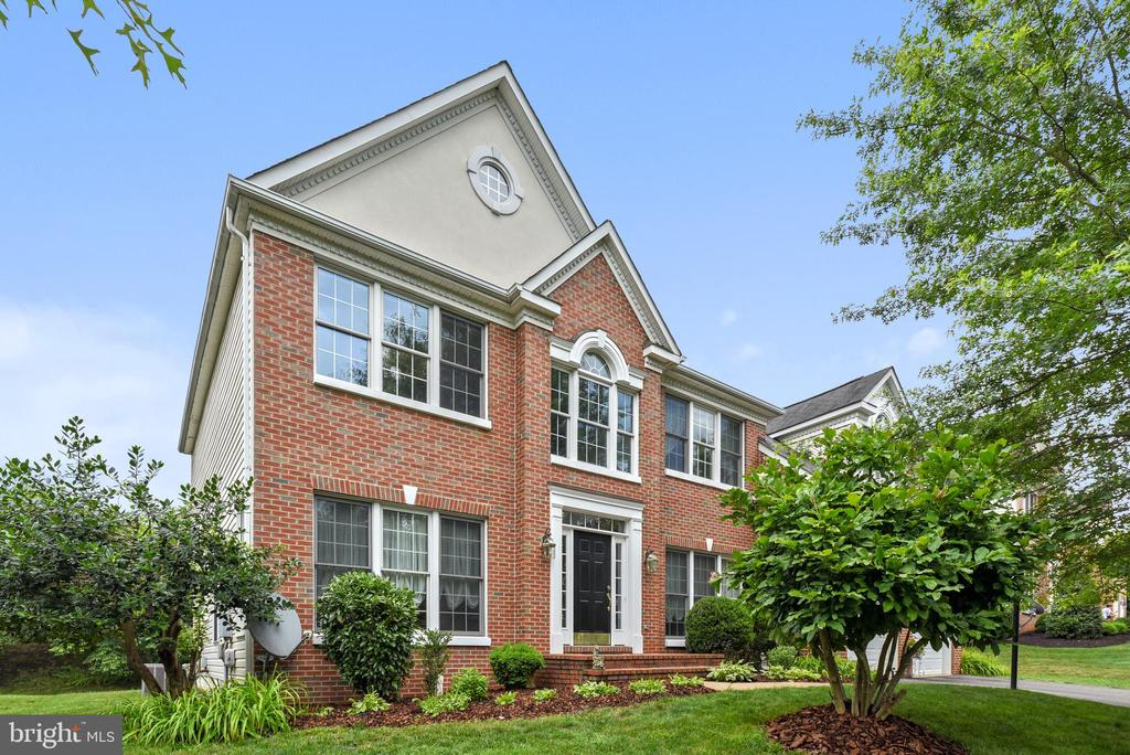 12464  MEADOW HUNT DRIVE, Fairfax, Virginia