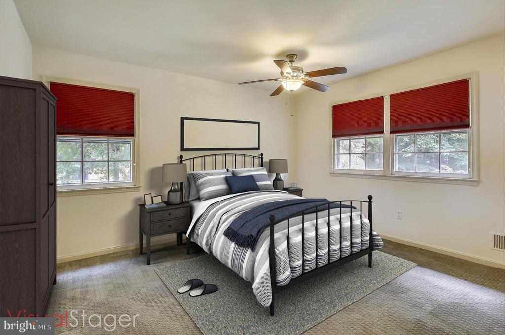 MASTER BEDROOM STAGED - 7209 BRIARCLIFF DR, SPRINGFIELD