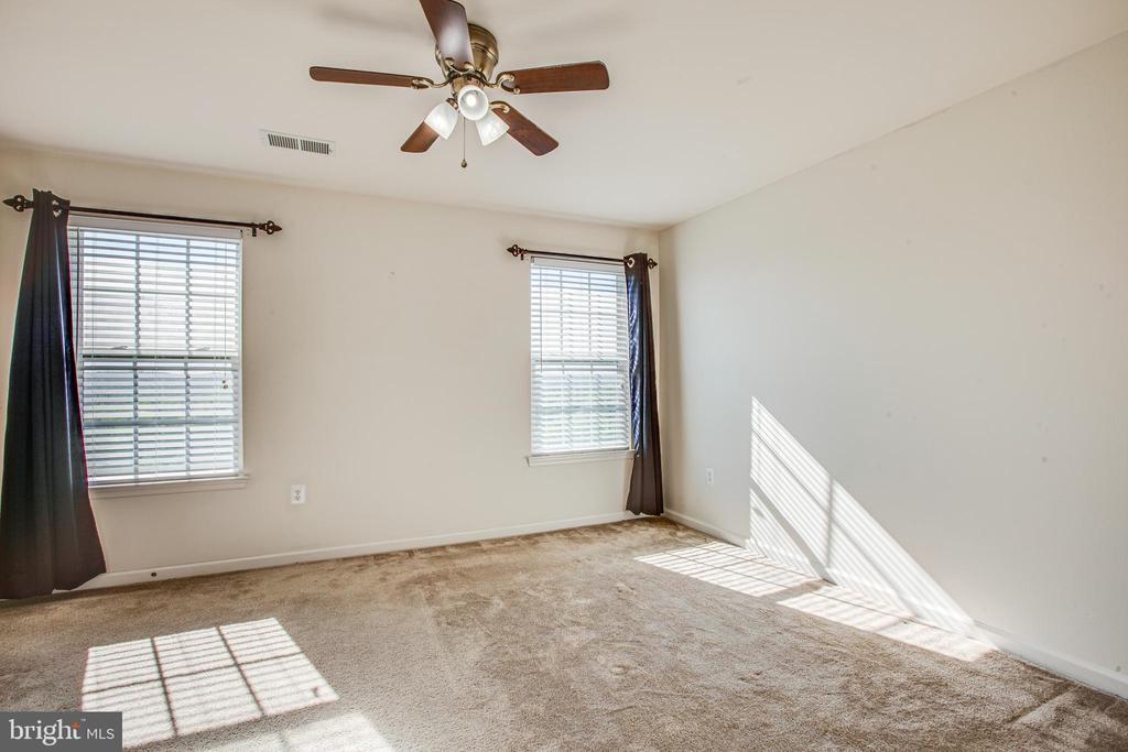 Larger bedrooms - 110 SHORT BRANCH RD, STAFFORD