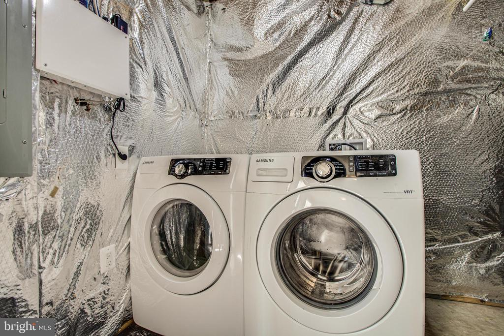 Newer washer and dryer - 110 SHORT BRANCH RD, STAFFORD