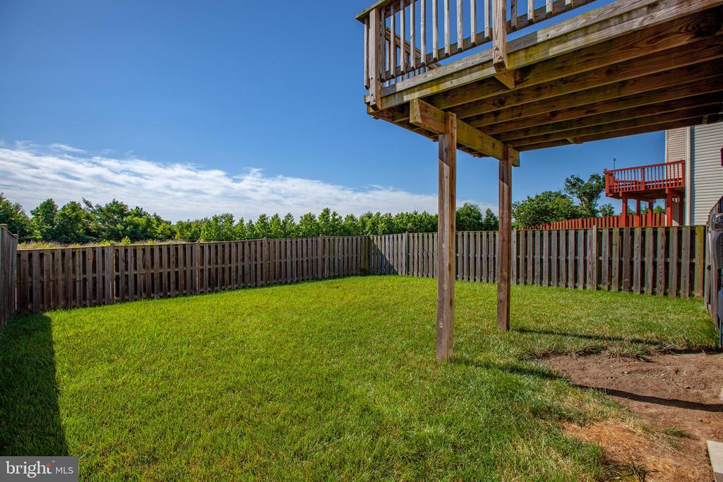 Nice sized flat, fenced in backyard - 110 SHORT BRANCH RD, STAFFORD