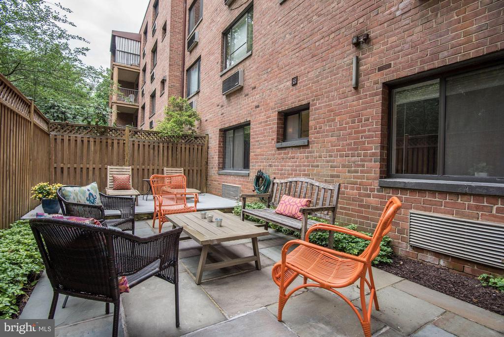 Private patio/deck - 4114 DAVIS PL NW #4, WASHINGTON