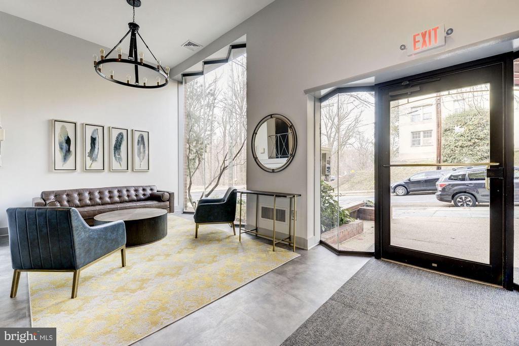 Newly renovated lobby - 4114 DAVIS PL NW #4, WASHINGTON