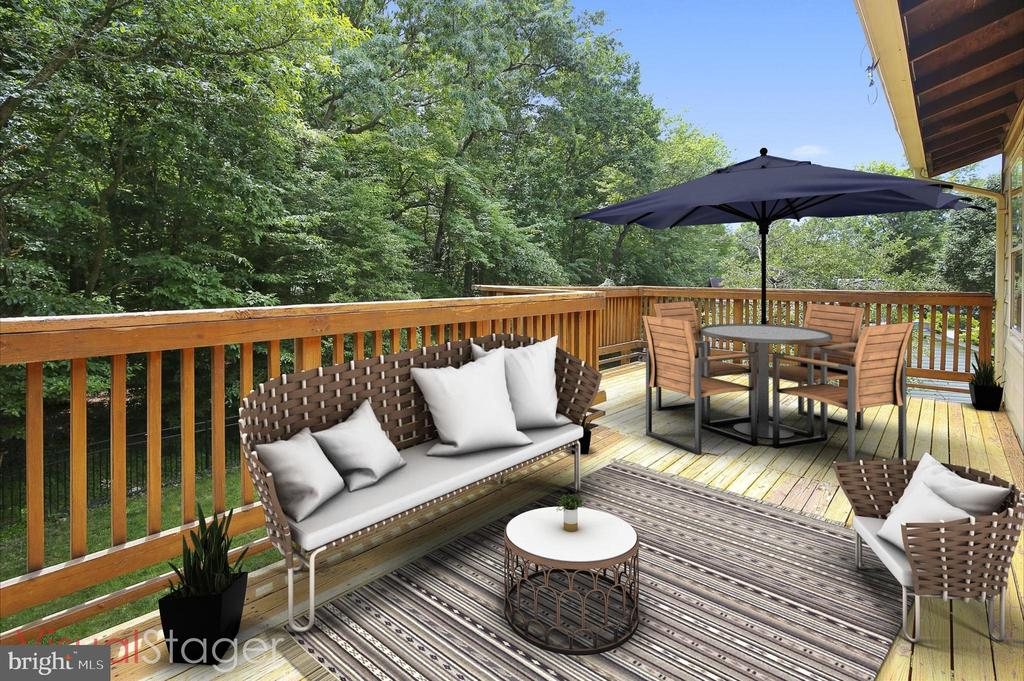 STAGED DECK - 7209 BRIARCLIFF DR, SPRINGFIELD