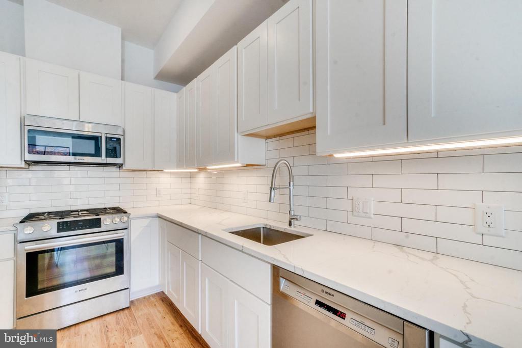 Gourmet Kitchen - 3819 14TH ST NW #UNIT 1, WASHINGTON